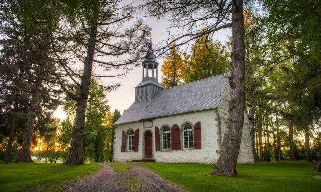 Une programmation estivale sous le signe de la poésie et du patrimoine à la chapelle des Cuthbert !