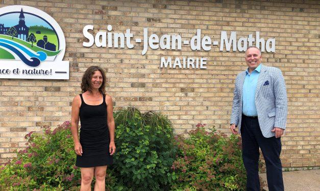 La corde à linge : le nouveau comptoir vestimentaire à Saint-Jean-de-Matha