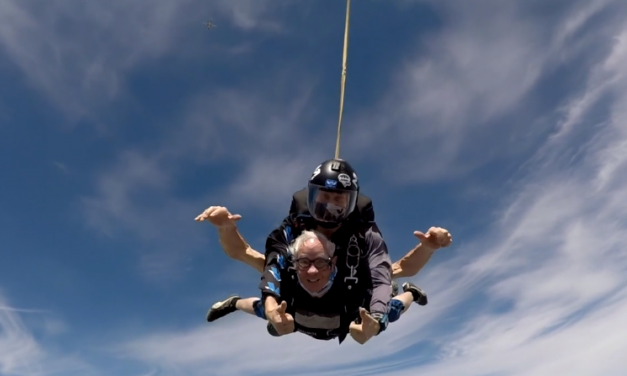 Un saut en parachute pour un résident des Habitations Bordeleau