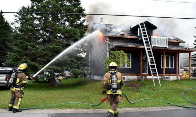 Chertsey : résidence lourdement endommagée par un incendie