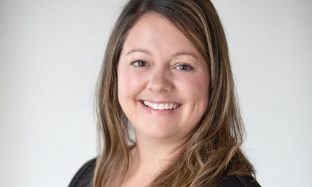 Stéphanie Godin se présente comme conseillère dans le quartier Riverain