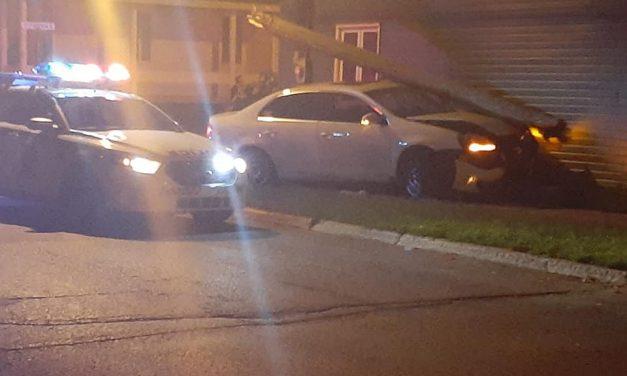 Un véhicule percute une maison à Joliette