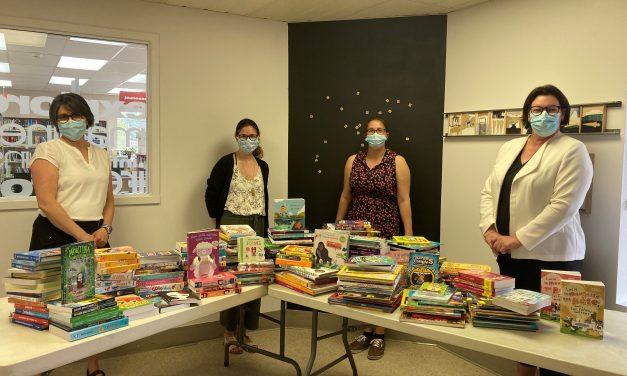 La bibliothèque Dr. Jacques-Olivier acquiert 300 nouveaux livres jeunesse à temps pour la rentrée scolaire
