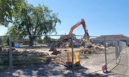L'ancien site du Pizza Hut démoli